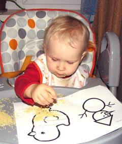 Безопасность малыша, когда мама занята домашними делами
