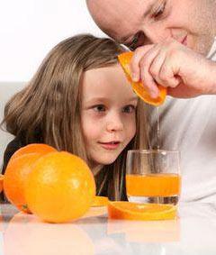 Чем могут быть опасны свежевыжатые соки (фреши) для ребенка