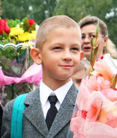 Как правильно подобрать ребенку школьную одежду