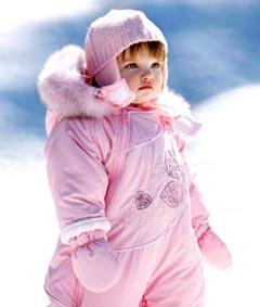 Как правильно одеть ребенка для прогулки в прохладную погоду