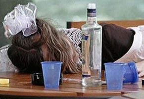 Алкоголь оказывает еще более разрушительное воздействие на неокрепший организм