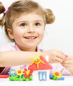 Лепка из пластилина прекрасно способствует развитию у детей мелкой моторики, фантазии и воображения
