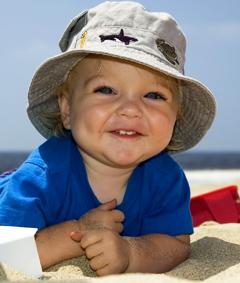 Что нужно не забыть, отправляясь на отдых в жаркие страны с детьми