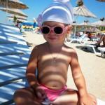 Как правильно загорать, чтобы ребенок не сгорел на солнце. 9 несложных правил