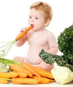 Приучать ребенка к овощам нужно с младенчества